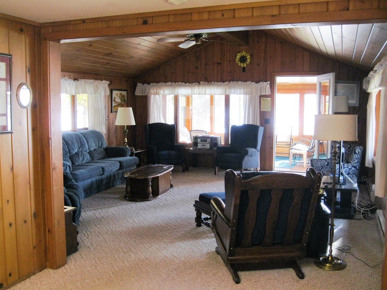 3  Wahoo living room