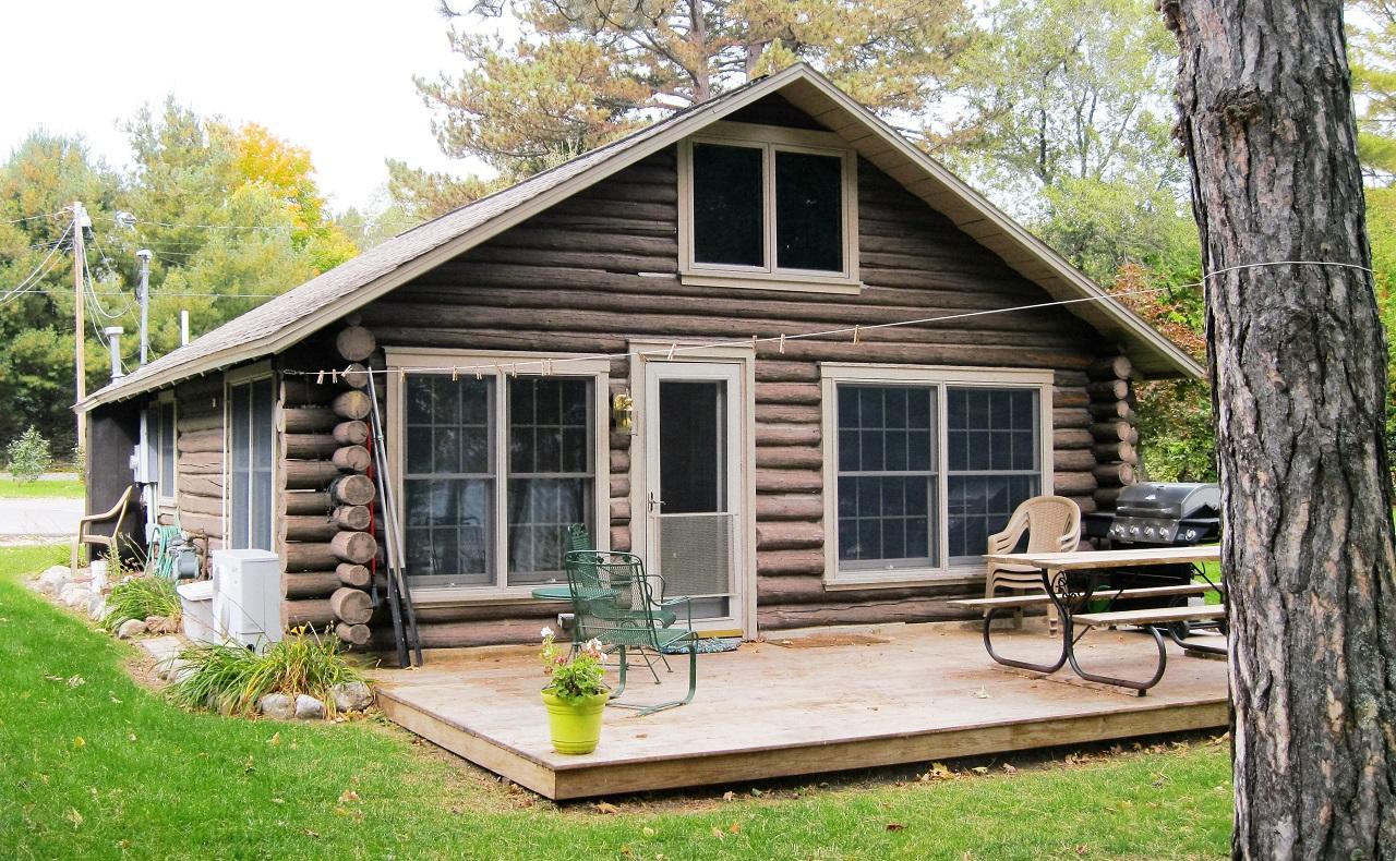 Iroquois Cottage at Leelanau's Rustic Resort