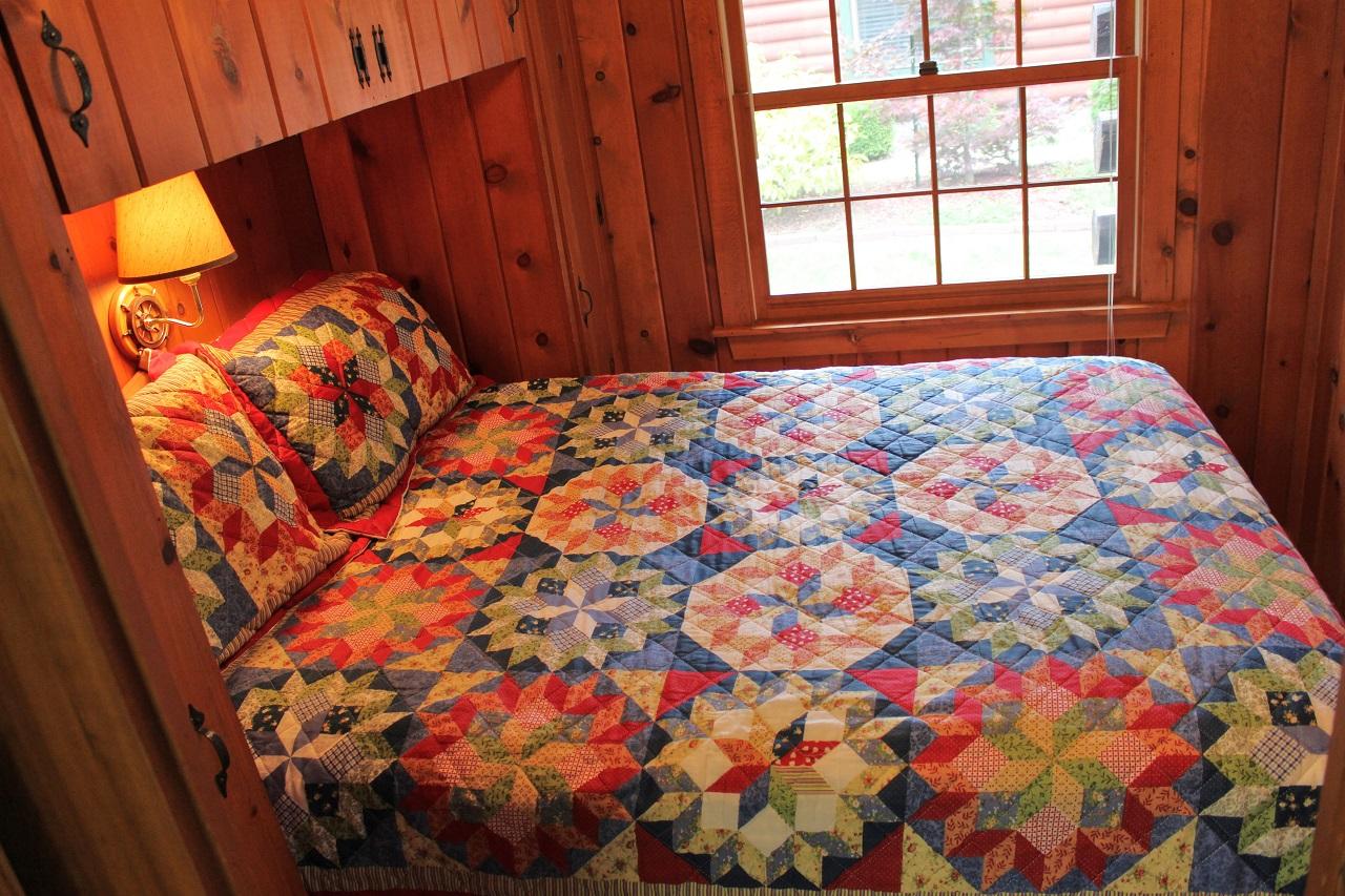 10 Hiawatha guest bedroom
