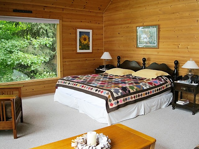 10 Ojibwe master bedroom