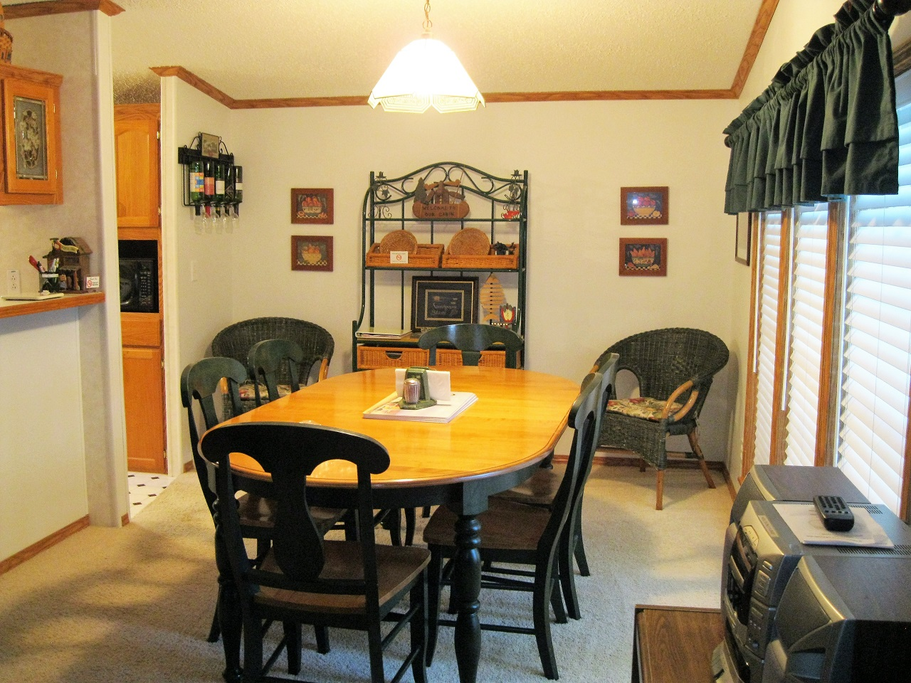 7 Seminole dining room