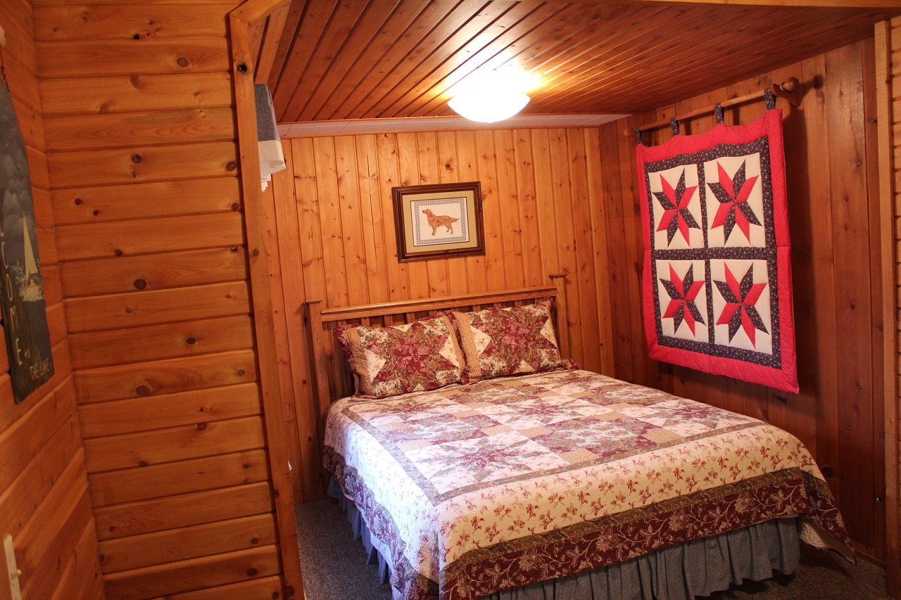 8 Hiawatha master bedroom