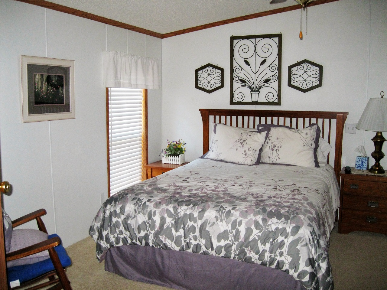 9 Seminole master bedroom