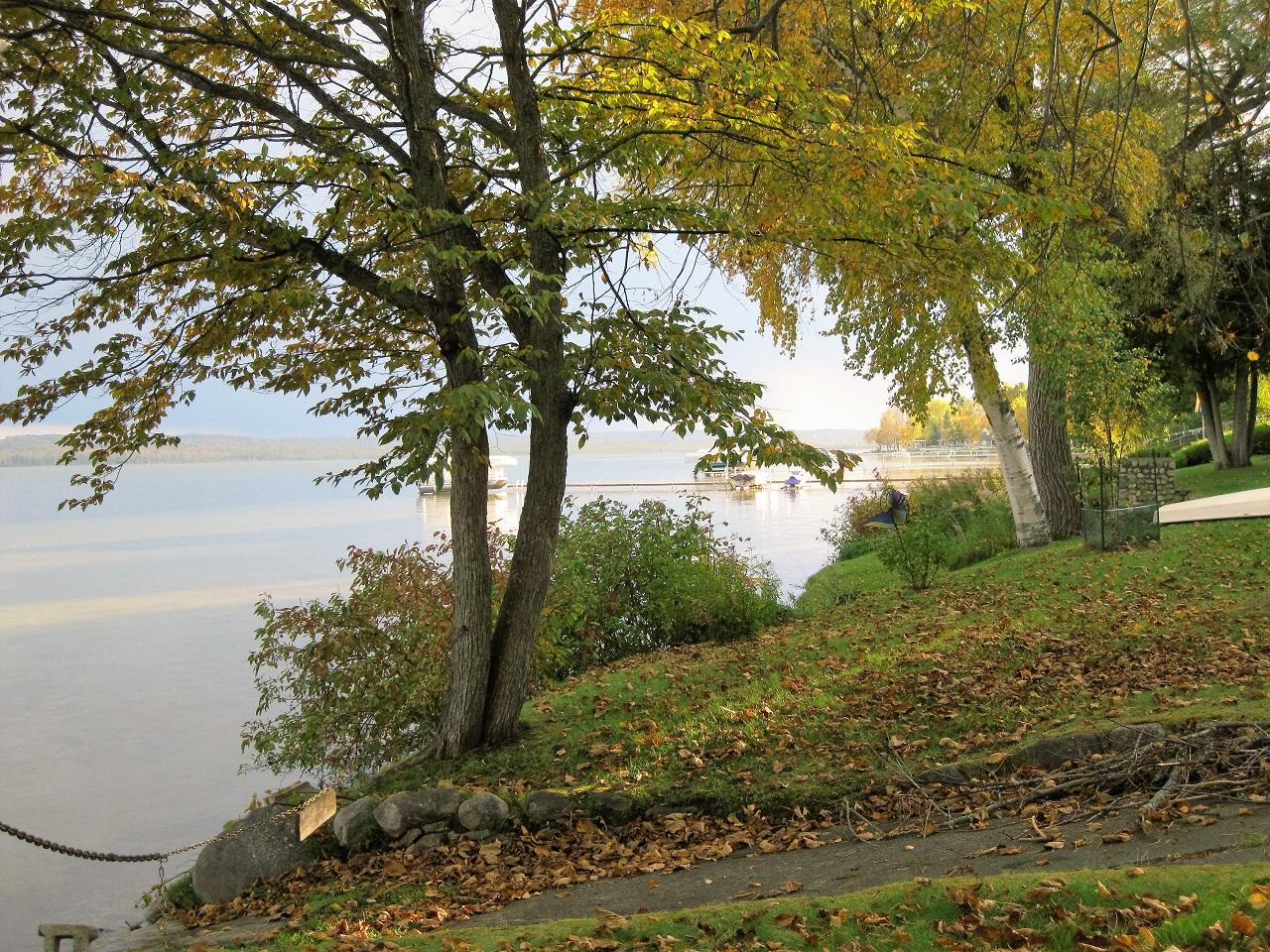 Color tour on Leelanau's lakefront