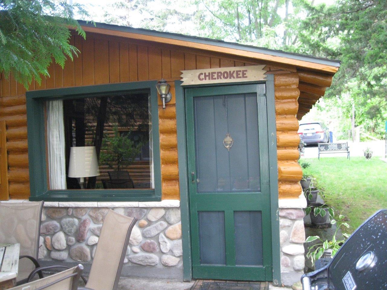 3 Cherokee entrance