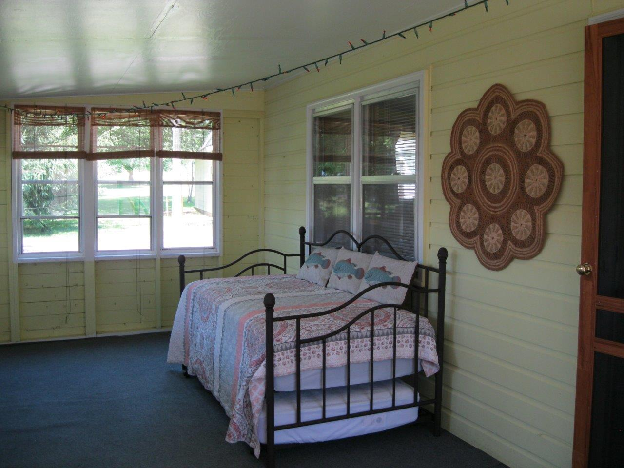 Four Feathers enclosed porch